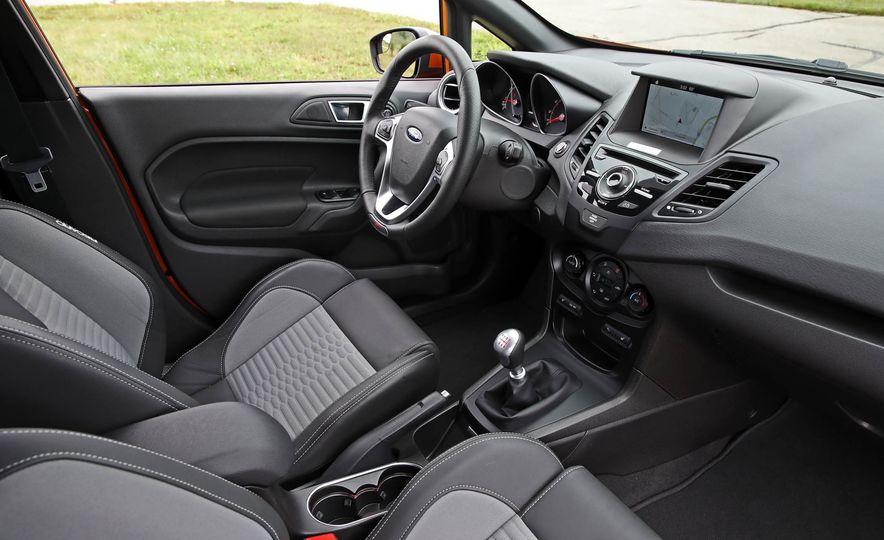 2017 Ford Fiesta ST - Slide 34
