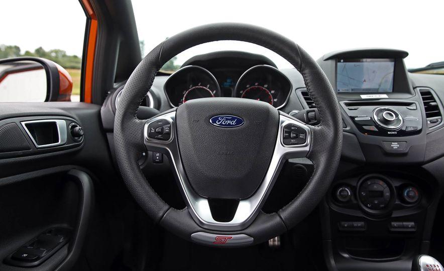 2017 Ford Fiesta ST - Slide 35