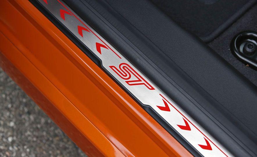 2017 Ford Fiesta ST - Slide 37