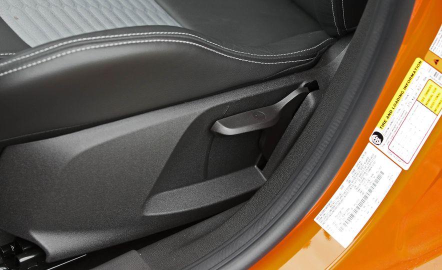 2017 Ford Fiesta ST - Slide 38