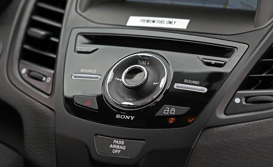 2017 Ford Fiesta ST - Slide 43