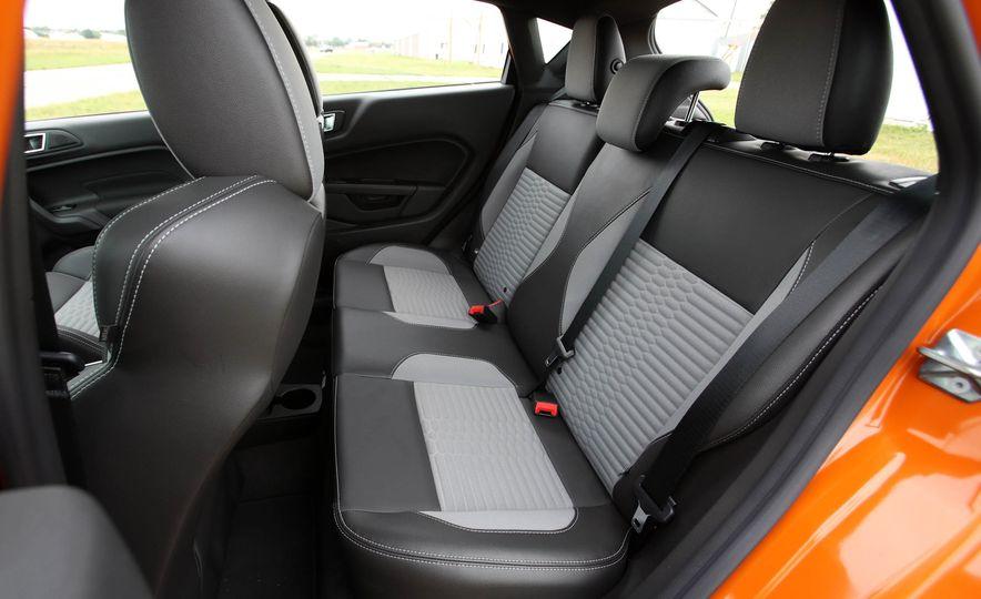 2017 Ford Fiesta ST - Slide 52