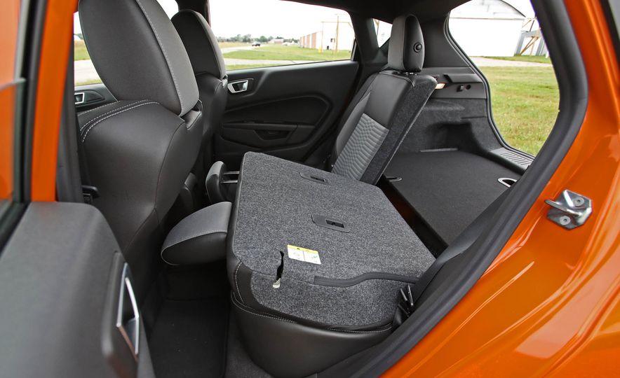2017 Ford Fiesta ST - Slide 61