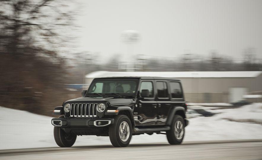 2018 Jeep Wrangler JL Unlimited Sahara - Slide 2