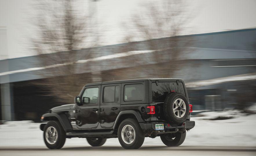 2018 Jeep Wrangler JL Unlimited Sahara - Slide 5