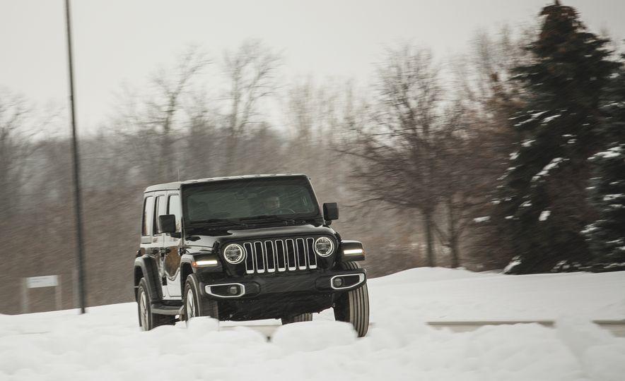 2018 Jeep Wrangler JL Unlimited Sahara - Slide 6