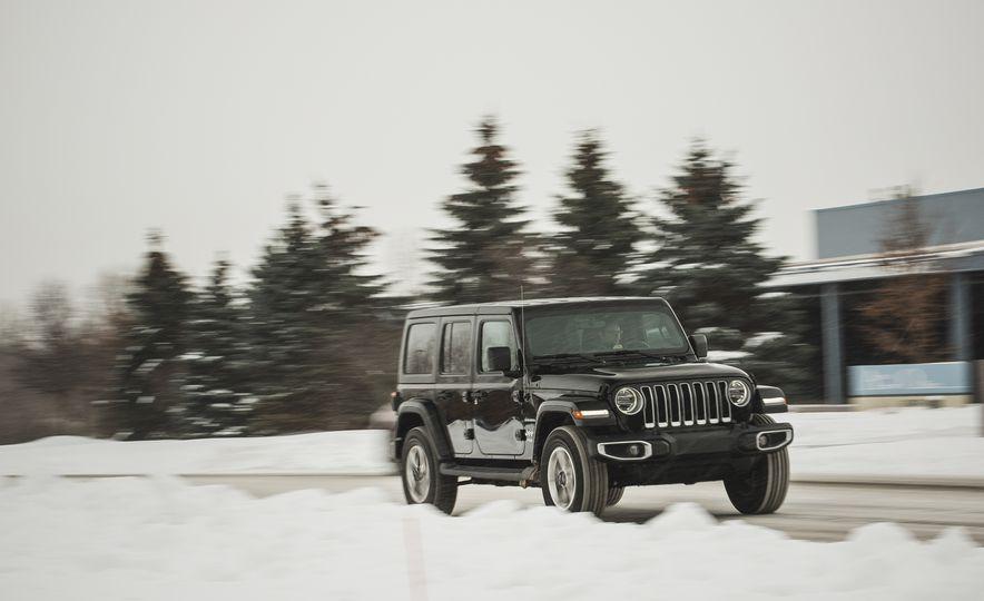 2018 Jeep Wrangler JL Unlimited Sahara - Slide 7