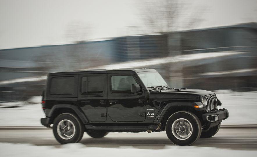 2018 Jeep Wrangler JL Unlimited Sahara - Slide 8