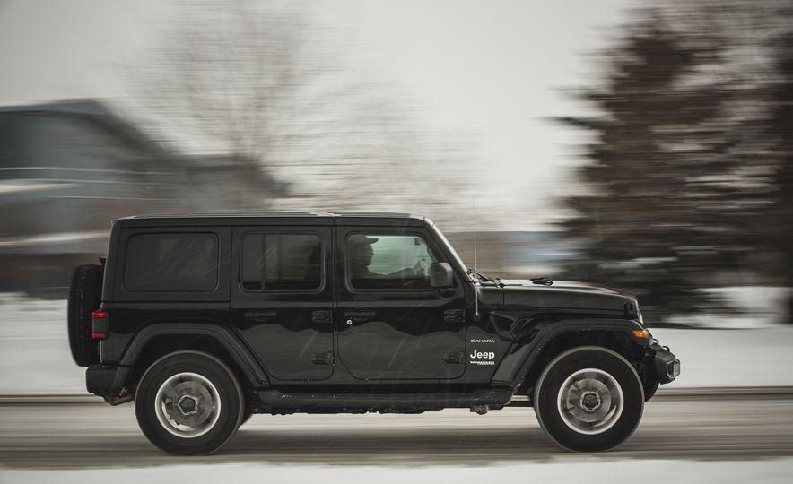 2018 Jeep Wrangler JL Unlimited Sahara - Slide 9