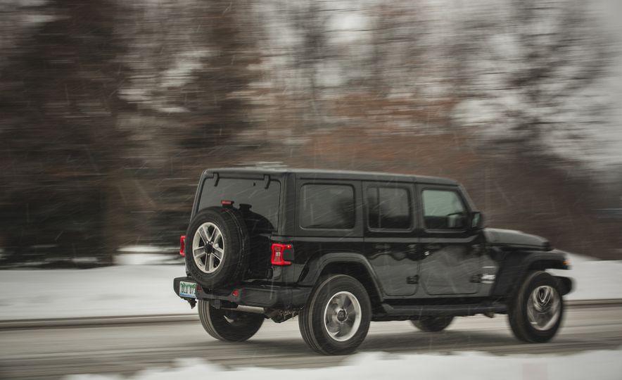 2018 Jeep Wrangler JL Unlimited Sahara - Slide 10