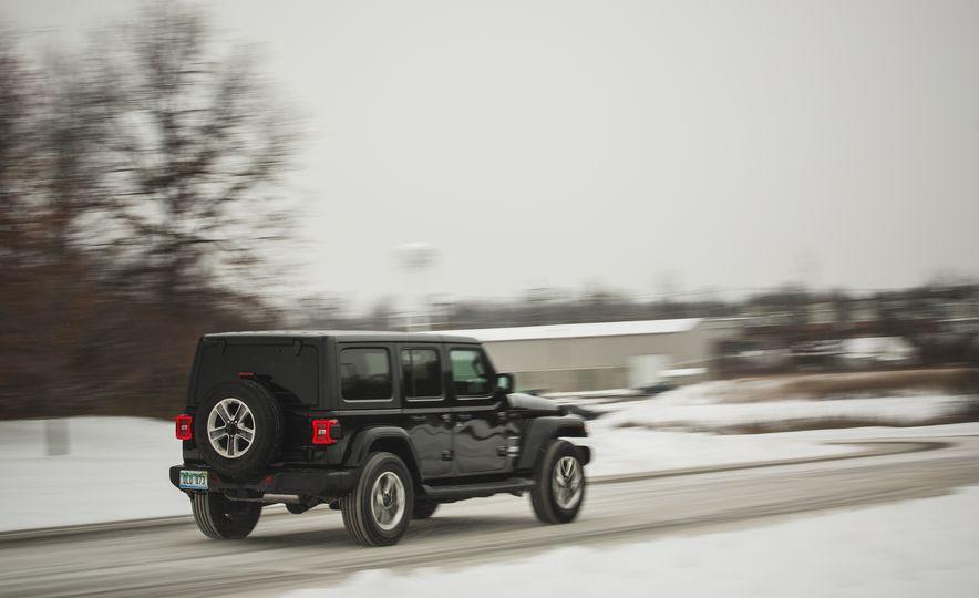 2018 Jeep Wrangler JL Unlimited Sahara - Slide 12