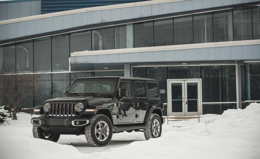 2018 Jeep Wrangler JL Unlimited Sahara - Slide 15