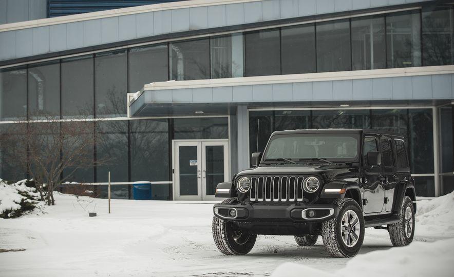 2018 Jeep Wrangler JL Unlimited Sahara - Slide 16