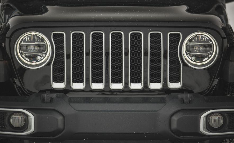 2018 Jeep Wrangler JL Unlimited Sahara - Slide 20