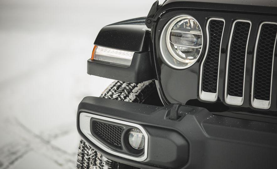 2018 Jeep Wrangler JL Unlimited Sahara - Slide 22
