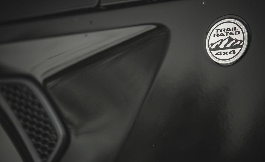 2018 Jeep Wrangler JL Unlimited Sahara - Slide 28