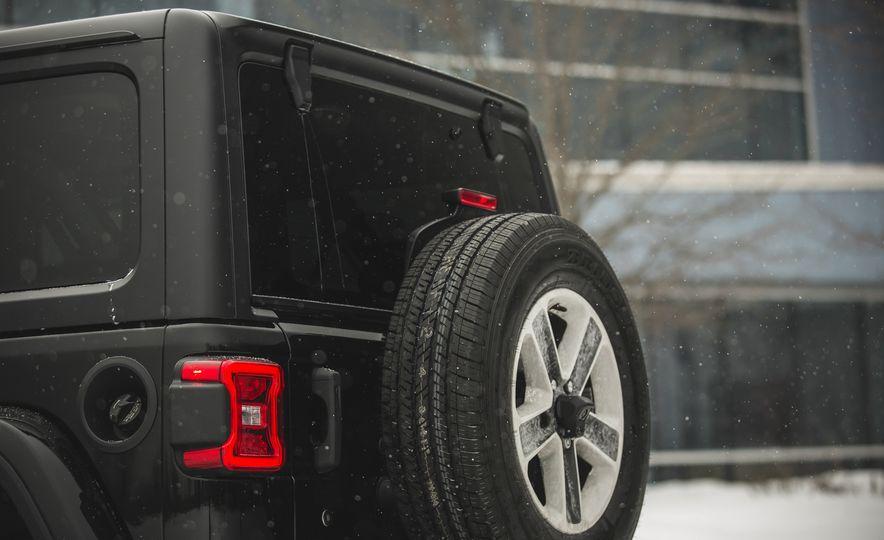2018 Jeep Wrangler JL Unlimited Sahara - Slide 29
