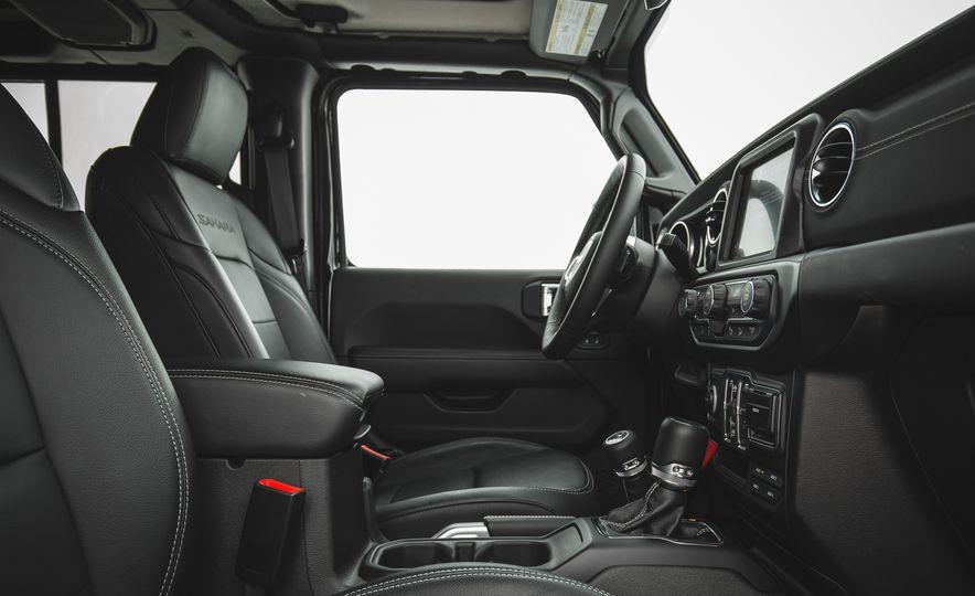 2018 Jeep Wrangler JL Unlimited Sahara - Slide 36