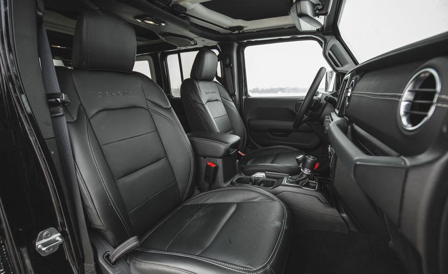 2018 Jeep Wrangler JL Unlimited Sahara - Slide 37