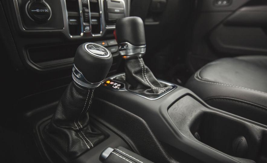 2018 Jeep Wrangler JL Unlimited Sahara - Slide 53