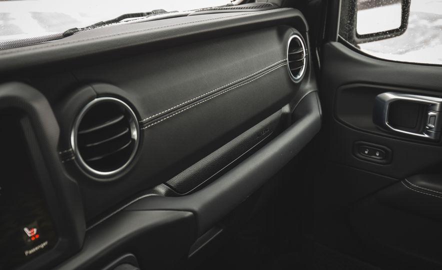 2018 Jeep Wrangler JL Unlimited Sahara - Slide 59