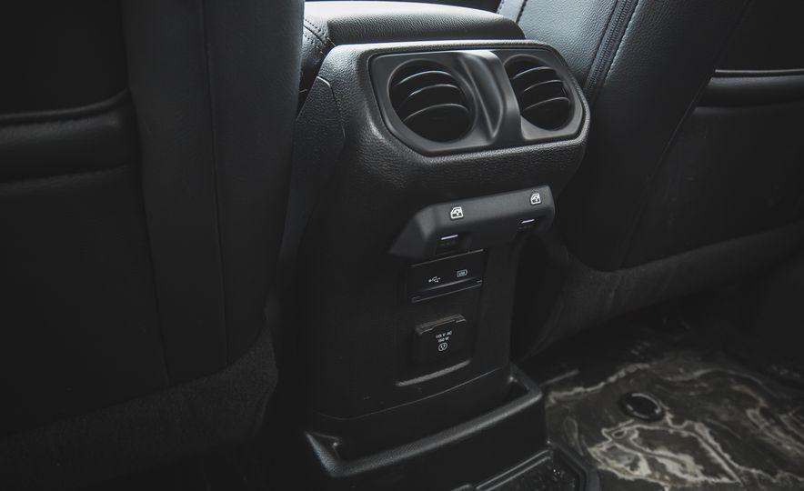 2018 Jeep Wrangler JL Unlimited Sahara - Slide 64