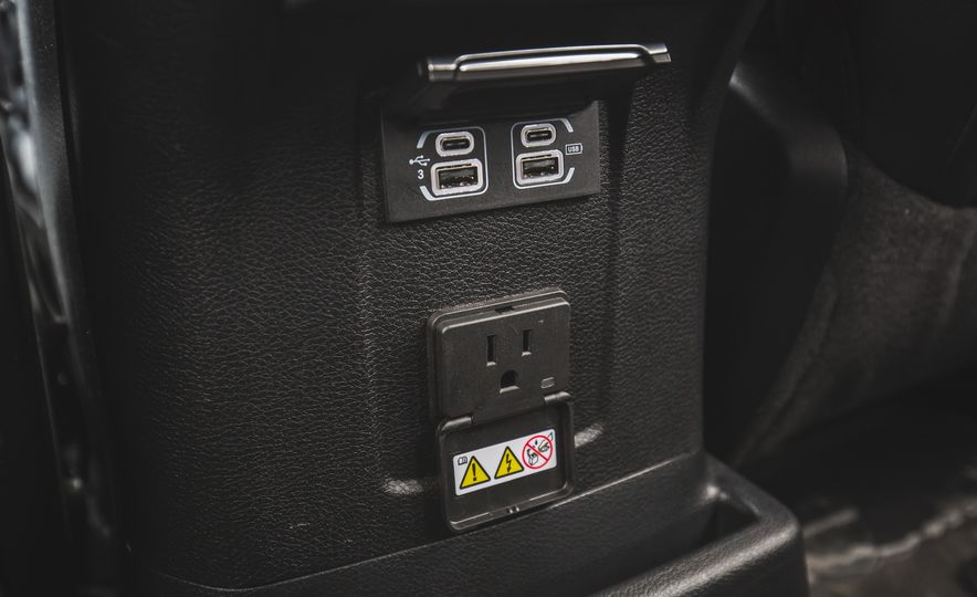 2018 Jeep Wrangler JL Unlimited Sahara - Slide 65