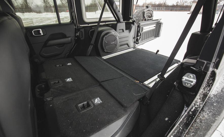 2018 Jeep Wrangler JL Unlimited Sahara - Slide 71