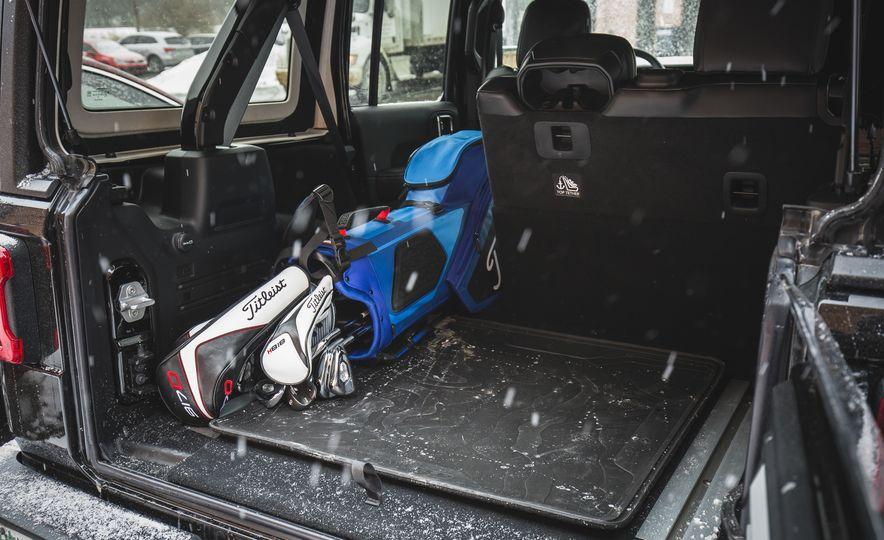 2018 Jeep Wrangler JL Unlimited Sahara - Slide 76