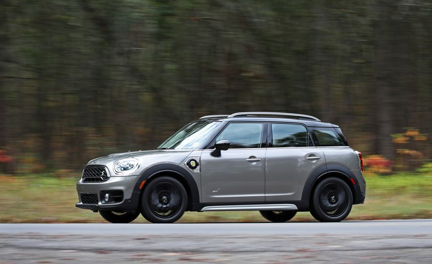 2018 Mini Cooper Countryman S E Plug-In Hybrid - Slide 4