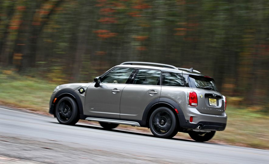 2018 Mini Cooper Countryman S E Plug-In Hybrid - Slide 6