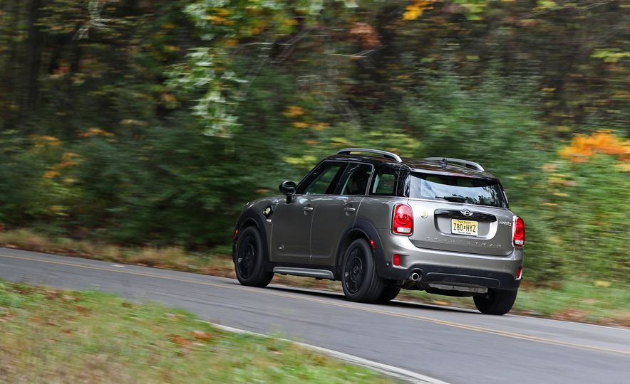 2018 Mini Cooper Countryman S E Plug-In Hybrid - Slide 8