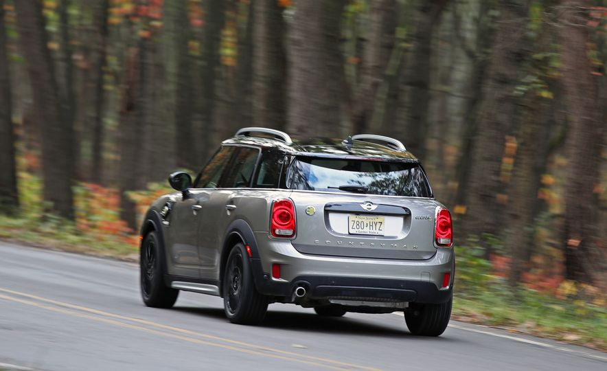 2018 Mini Cooper Countryman S E Plug-In Hybrid - Slide 9