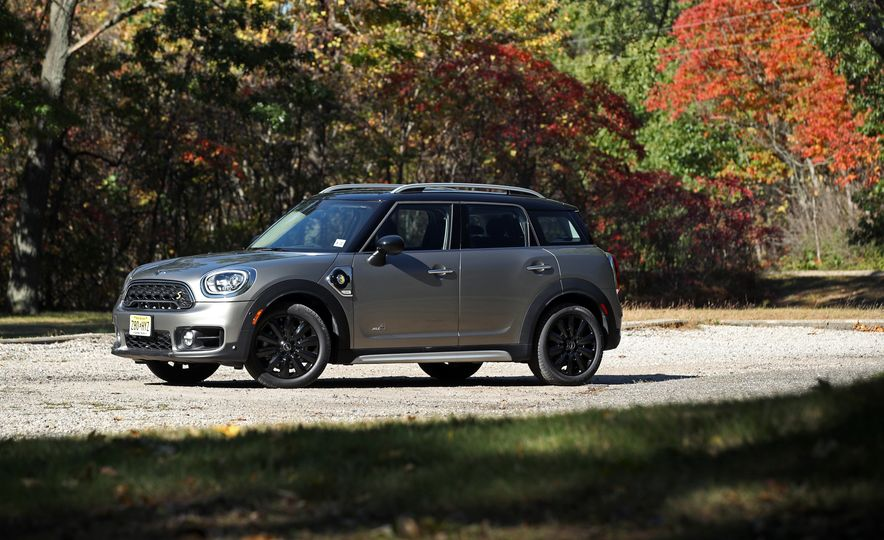 2018 Mini Cooper Countryman S E Plug-In Hybrid - Slide 15