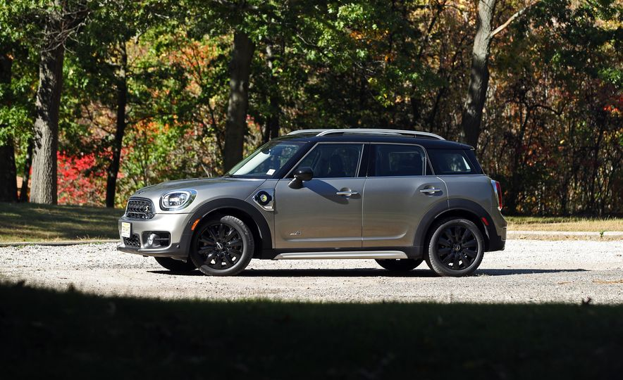 2018 Mini Cooper Countryman S E Plug-In Hybrid - Slide 16