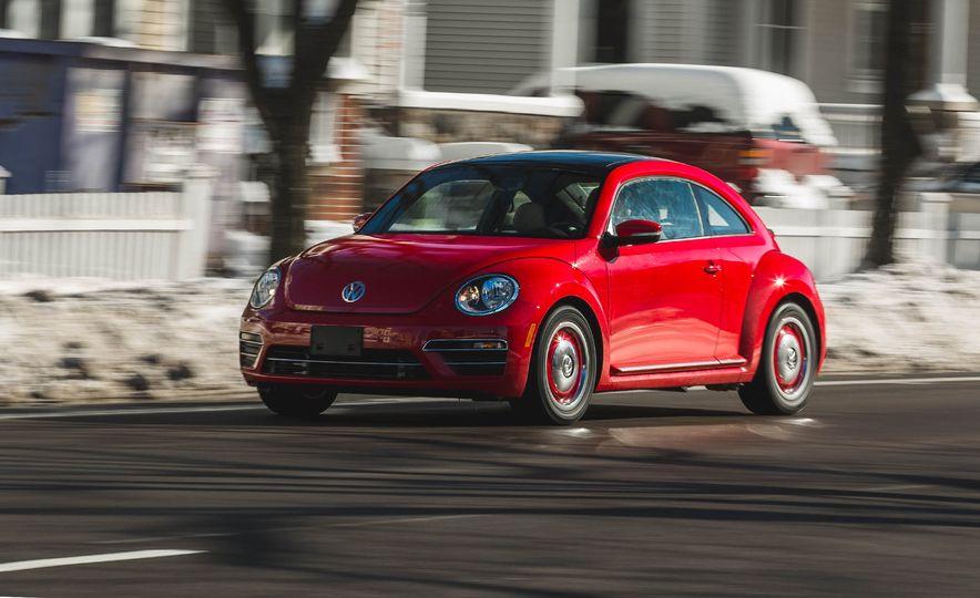 2018 Volkswagen Beetle 2.0T Coast - Slide 1