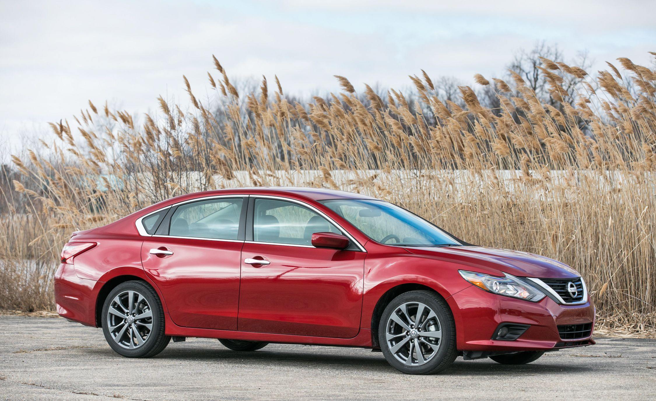 Nissan Altima Reviews   Nissan Altima Price, Photos, And Specs   Car And  Driver