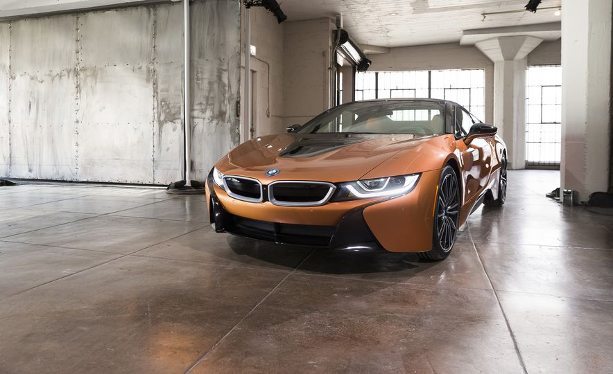 2019 BMW i8 Roadster - Slide 1