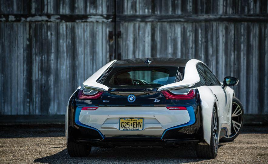 2019 BMW i8 Roadster - Slide 8