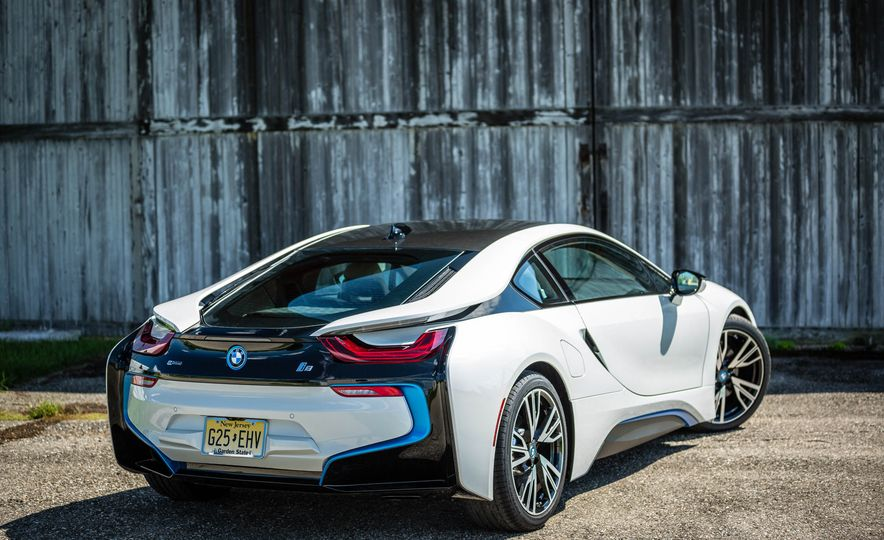 2019 BMW i8 Roadster - Slide 10