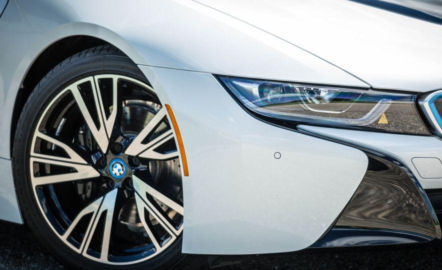 2019 BMW i8 Roadster - Slide 13