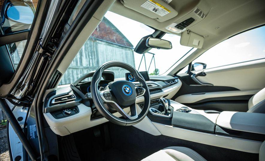 2019 BMW i8 Roadster - Slide 18