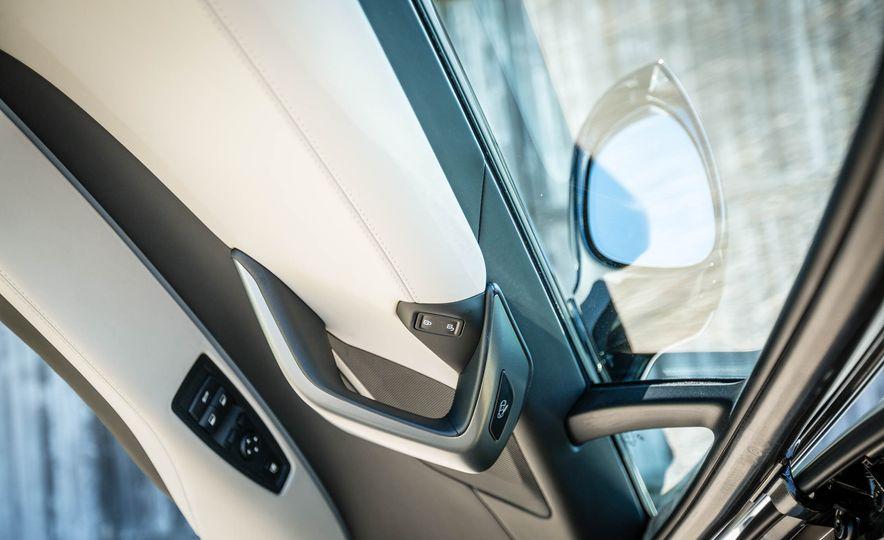 2019 BMW i8 Roadster - Slide 19