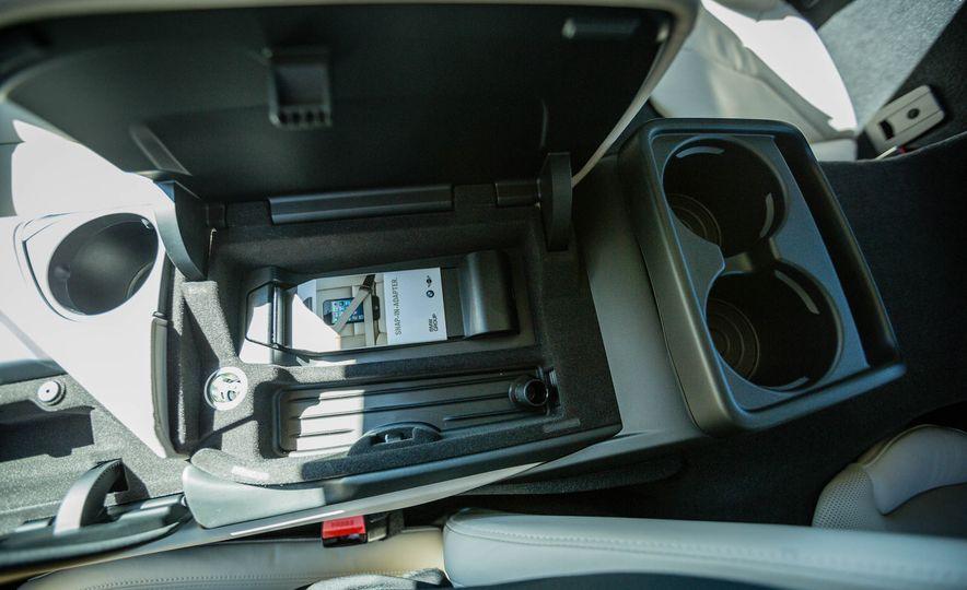 2019 BMW i8 Roadster - Slide 28