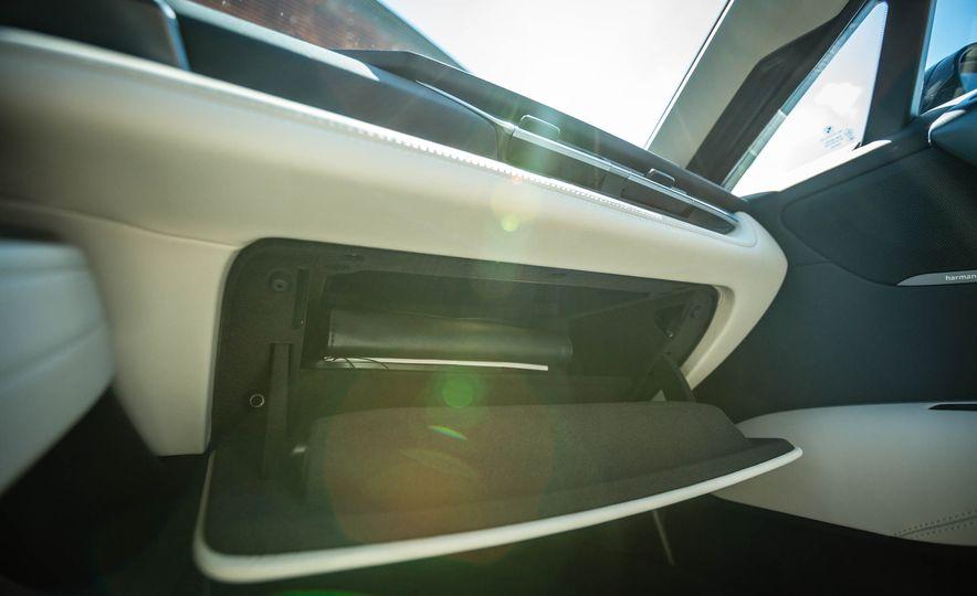 2019 BMW i8 Roadster - Slide 31
