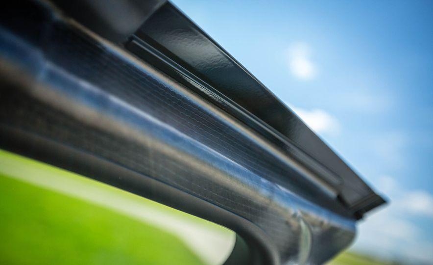 2019 BMW i8 Roadster - Slide 36