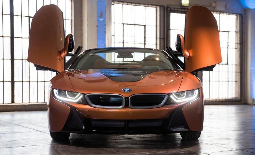 2019 BMW i8 Roadster - Slide 37