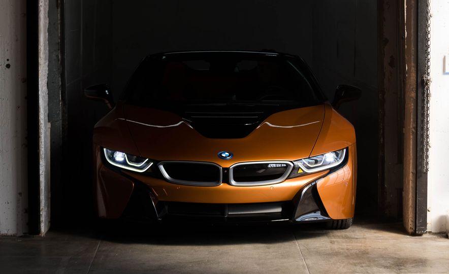 2019 BMW i8 Roadster - Slide 38