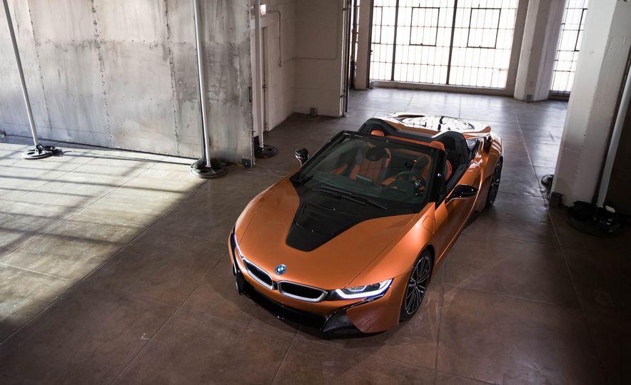 2019 BMW i8 Roadster - Slide 40