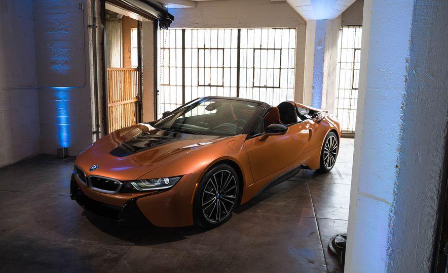 2019 BMW i8 Roadster - Slide 41